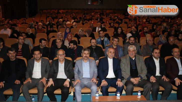 'Cevizin Kabuğunu Kırmak' konulu konferans düzenledi