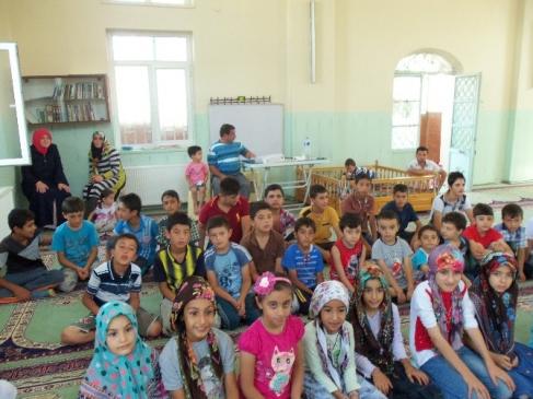 Yeşilyurt Gedik Camii'nde Öğrencilere Bisiklet Hediye Edildi