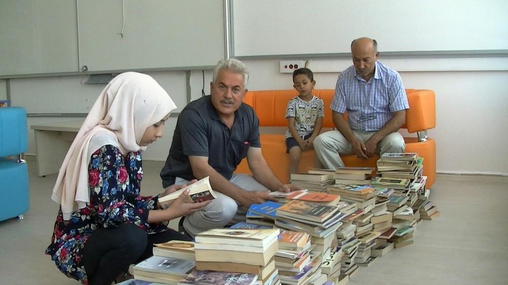 Kemik kanserini yenen Beyza şimdi de kütüphane kurmak istiyor