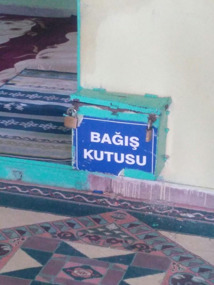 12 günde 7 defa Abuzer Baba türbesinden sonra Aziz Dede'de hırsızlık