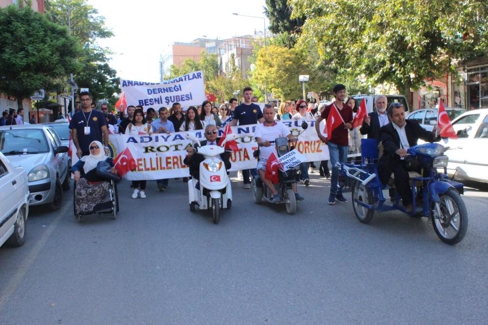 'Engelliler ile Nemrut Dağına Tırmanıyoruz' projesi kortej yürüyüşüyle başladı