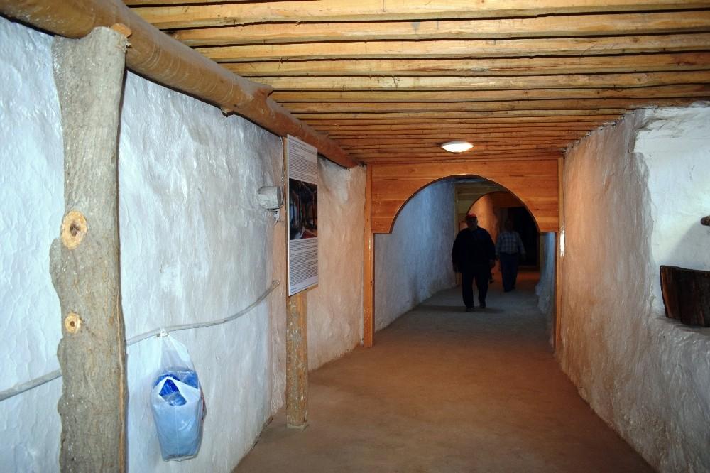 Arapgir'de 800 yıllık cemevi ziyaretçi akınına uğruyor