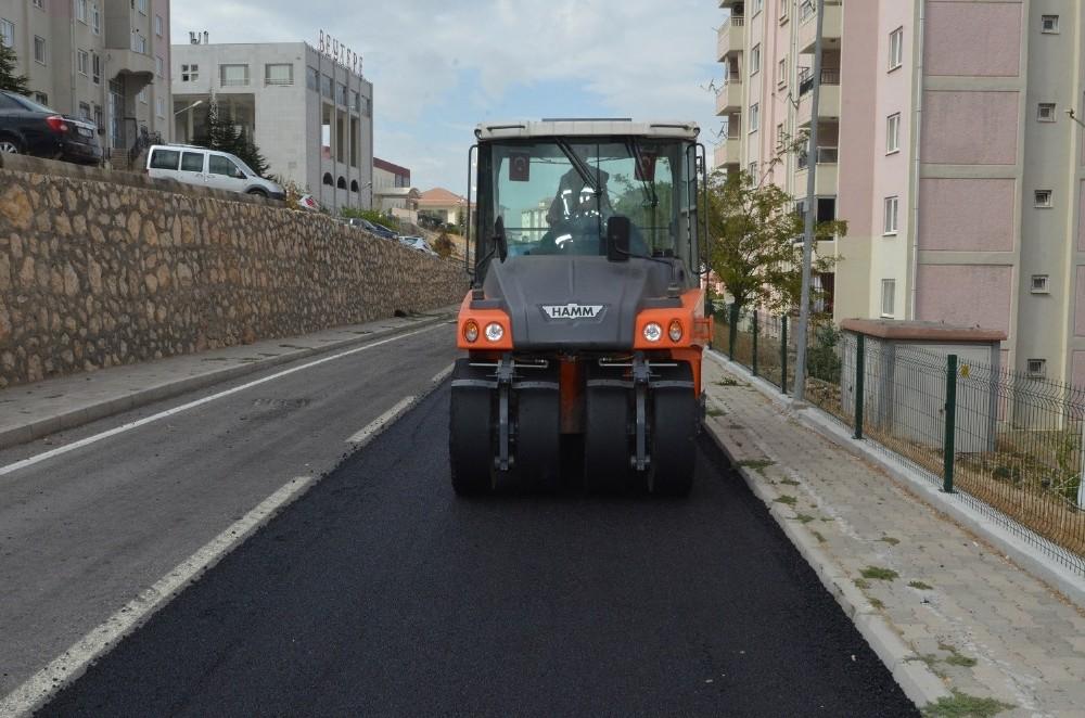 Yeşilyurt'ta asfaltlama çalışmaları