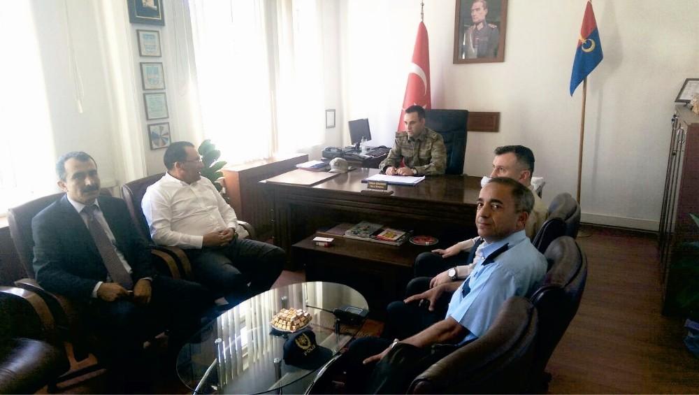 Kaymakam Kaya Jandarma komutanını ziyaret etti