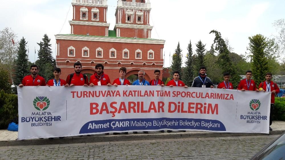 Malatya Büyükşehir Belediyespor Kick boksta büyük başarı