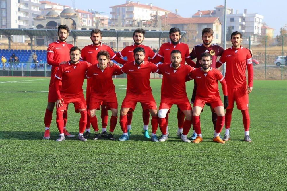 İnönü Üniversitesispor sahasında Dersimspor'a mağlup oldu