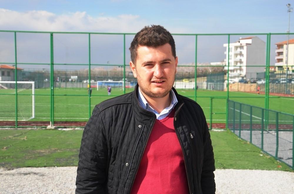 Arguvan Belediyespor liderliği bırakmıyor