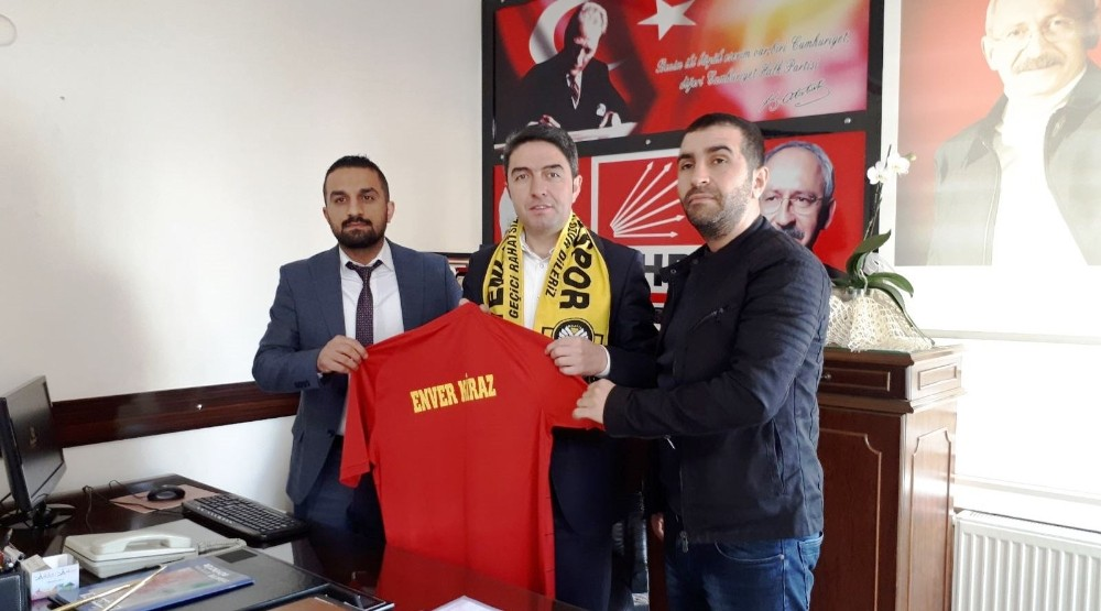 Malatyaspor taraftarlarından CHP'li Kiraz'a ziyaret