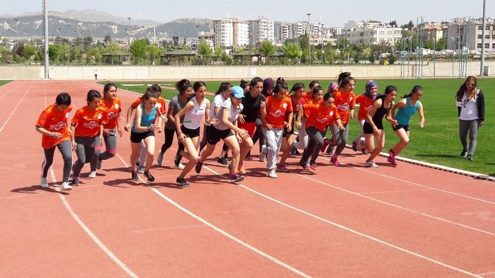 23 Nisan atletizm yarışları sona erdi