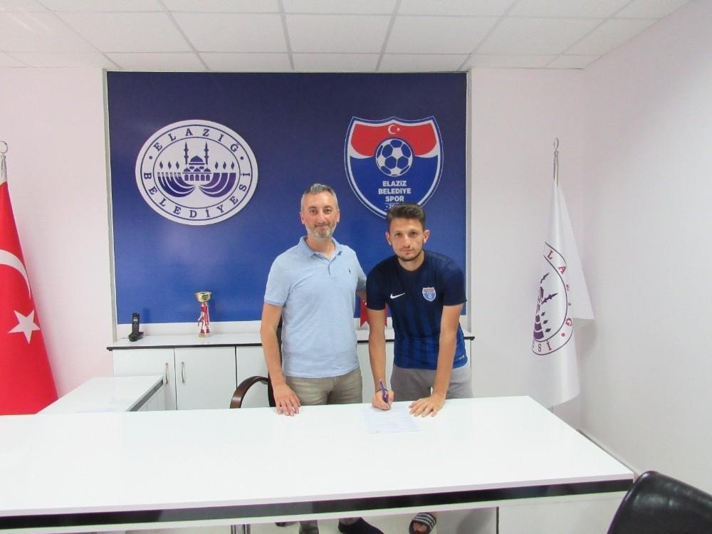 Elaziz Belediyespor, 3 genç oyuncuyu renklerine bağladı