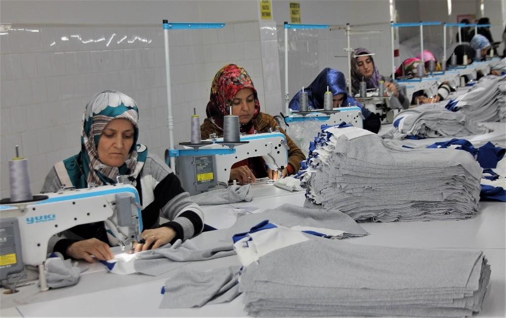 İlçenin kadınları tekstil atölyesi ile ihracata kapı araladı
