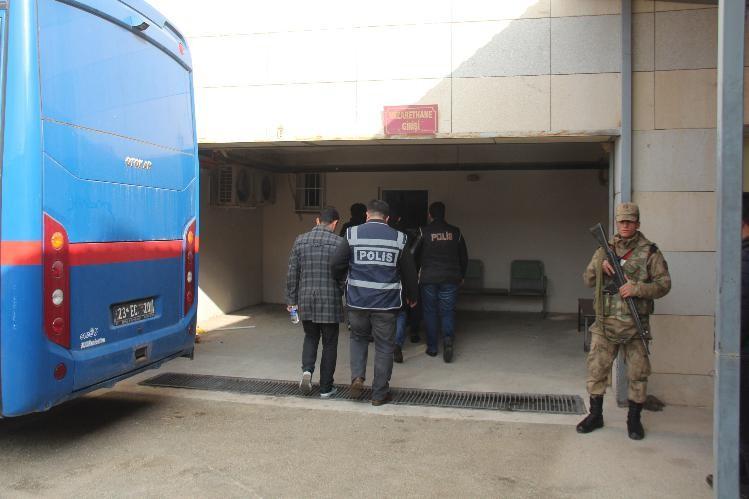 Elazığ'daki FETÖ operasyonunda 5 astsubay tutuklandı