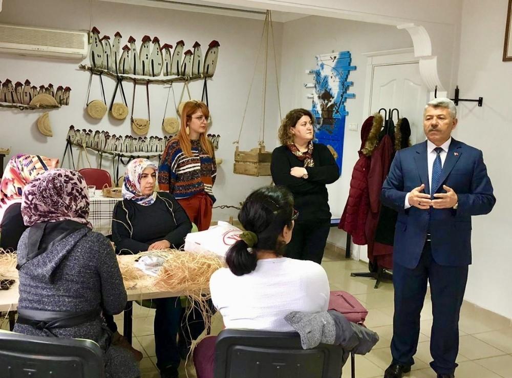 Hasır çanta ve sepet yapımı kursu açıldı
