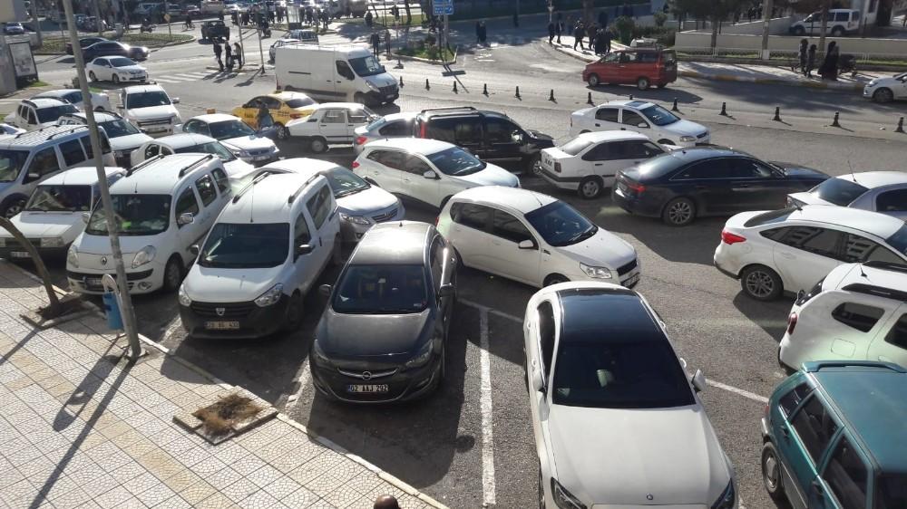 Hatalı parklara sürücülerden tepki