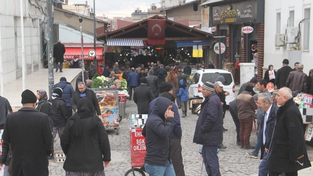 Elazığlılar, 2 bin 20 liralık asgari ücreti beğendi