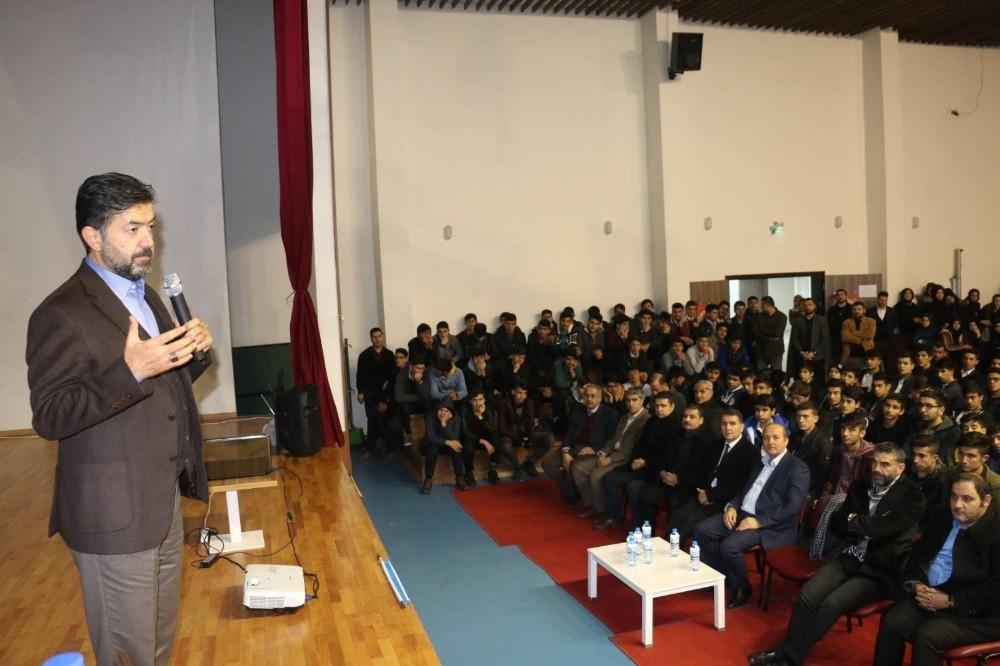 Bekiroğlu, eğitim vizyonunda imam hatip modelini anlattı