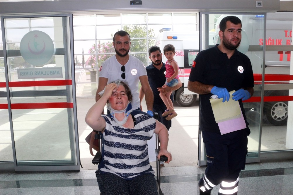 Bayram ziyaretine giden aile kaza yaptı: 5 Yaralı