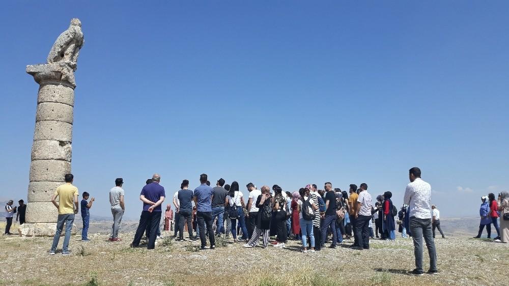 Aday öğretmenler Adıyaman'ın tarihi ve kültürel yerlerini gezdi