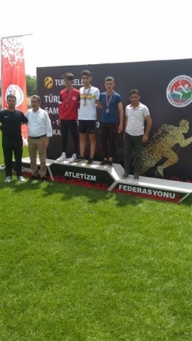 Serhat Göngör Türkiye'de yürüyüş şampiyonu oldu