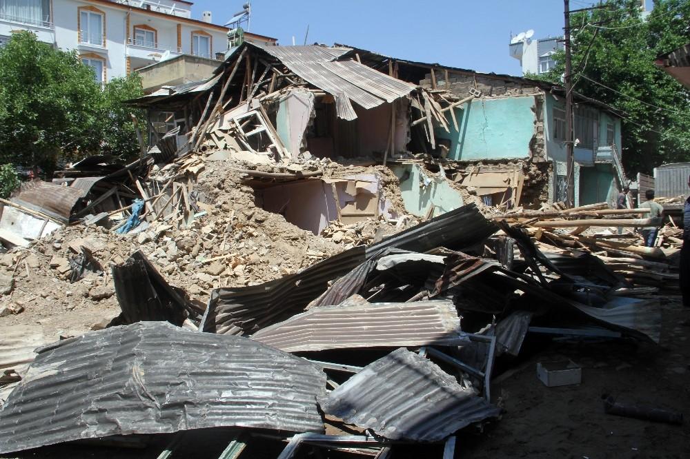 Elazığ'daki sel ve su taşkınları hasara neden oldu
