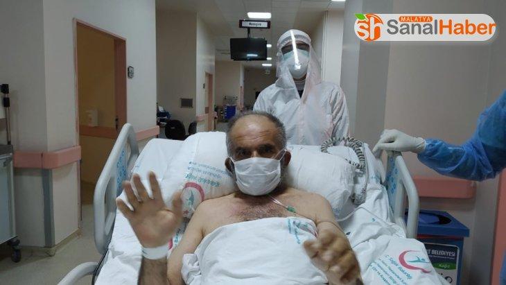 Malatya'da 62 yaşında korona virüsü yendi