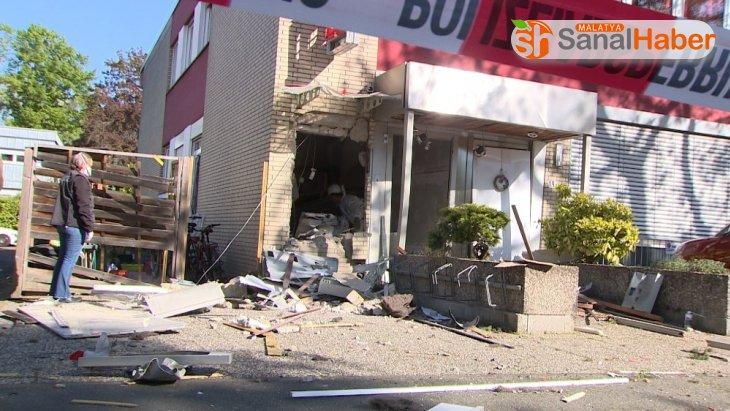 Almanya'da banka ATM'leri havaya uçuruldu