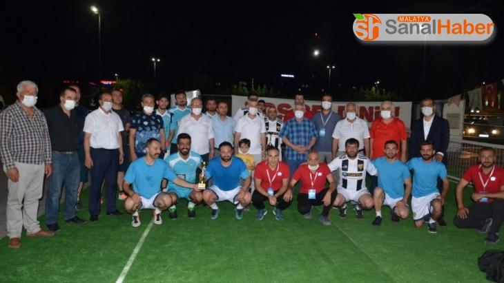 Ayak tenisi turnuvası 1.etabının finali tamamlandı
