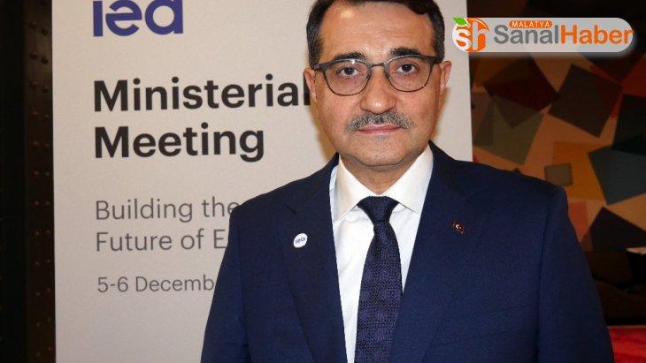 Bakan Dönmez: '4 yıl gibi kısa bir süre içerisinde Hazar'dan çıkan doğal gaz artık Avrupa kapısında'