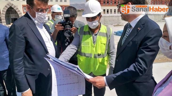 Bakan Kasapoğlu, öğrenci yurdu inşaatında incelemelerde bulundu
