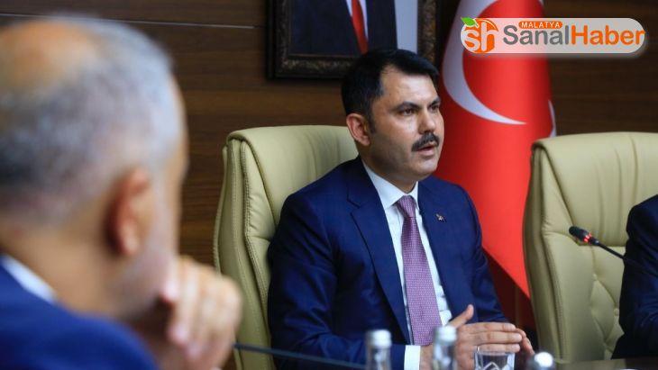 Bakan Kurum:''Bingöl'de 638, Erzurum'da 189, Erzincan'da ise 38 bina ağır hasarlı ve yıkık'