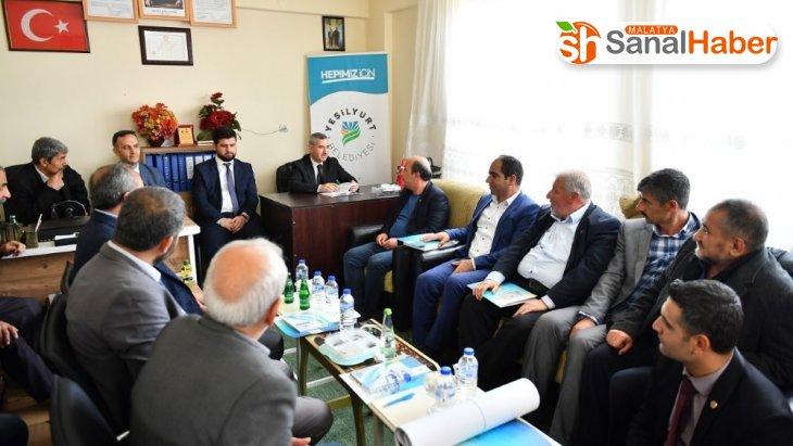 Başkan Çınar, muhtarlarının isteklerini dinledi