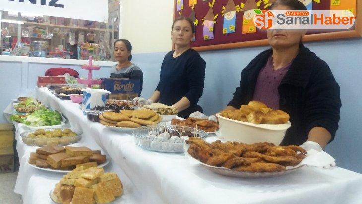 Bayat ekmekten 150 çeşitli yemek ve tatlı yaptılar
