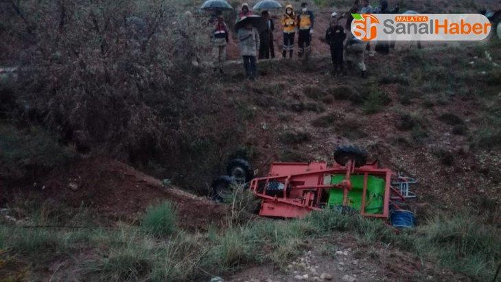 Malatya'da Çapa motoru şarampole yuvarlandı: 1 ölü, 1 yaralı