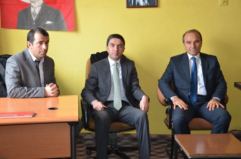 İl Başkanı Enver Kiraz ve il yönetimi Arguvan CHP İlçe Örgütünü ziyaret etti.