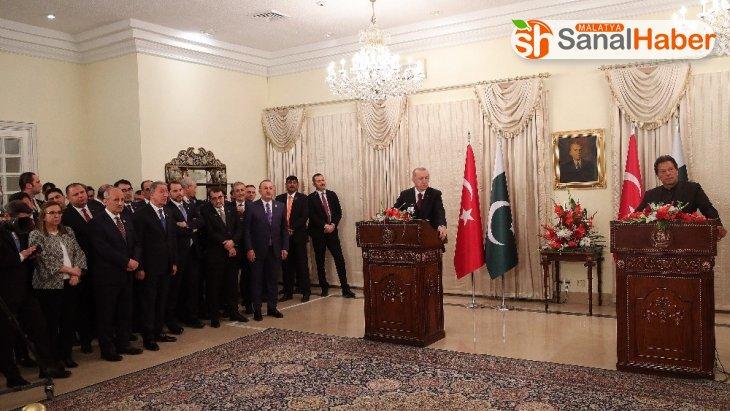 Cumhurbaşkanı Erdoğan: 'Askeri ve savunma sanayii alanları, Pakistan ile ikili ilişkilerimizde en önemli başlığı teşkil ediyor'