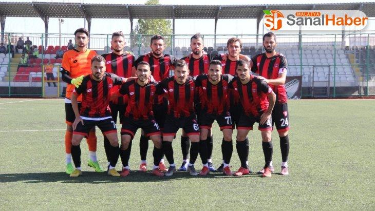 Elazığ Belediyespor, ilk galibiyetini aldı