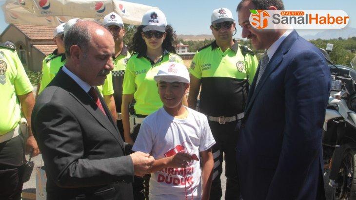 Emniyet Genel Müdürü Aktaş '100 bin emniyet mensubu 65 bin noktada trafik güvenlik hizmeti veriyor'