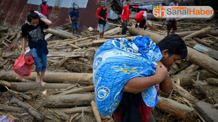 Endonezya'da sel felaketinde ölenlerin sayısı 25'e ulaştı