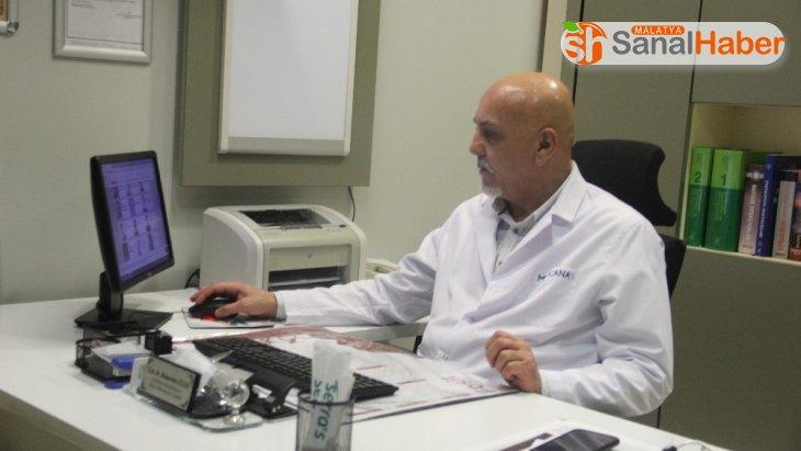 Enfeksiyon Hastalıkları Uzmanı Dr. Güler: 'Koronada gereksiz panik yapılıyor'