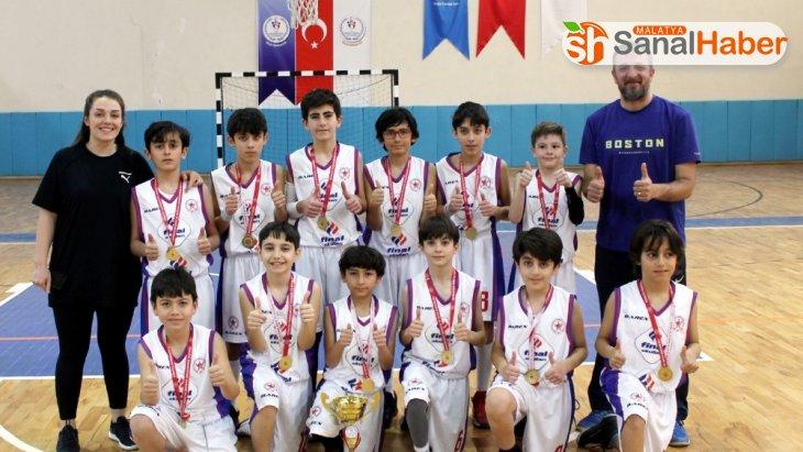 Finalli öğrenciler baskette İl birincisi oldu