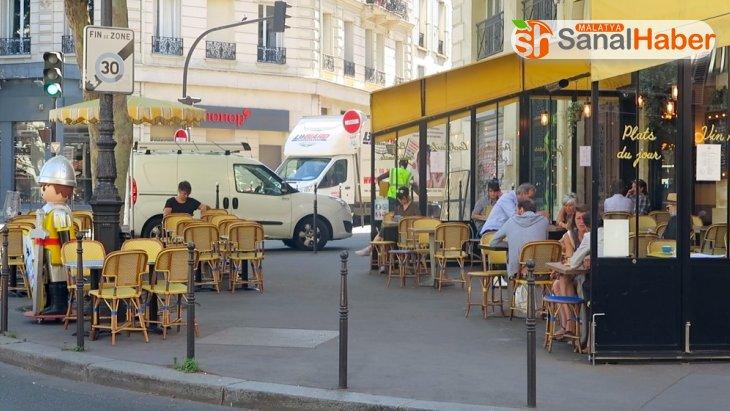 Fransa'da normal hayata dönüşün ikinci aşaması bugün başladı