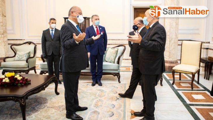 Fransa Dışişleri Bakanı Le Drian, Irak Cumhurbaşkanı Salih ile görüştü