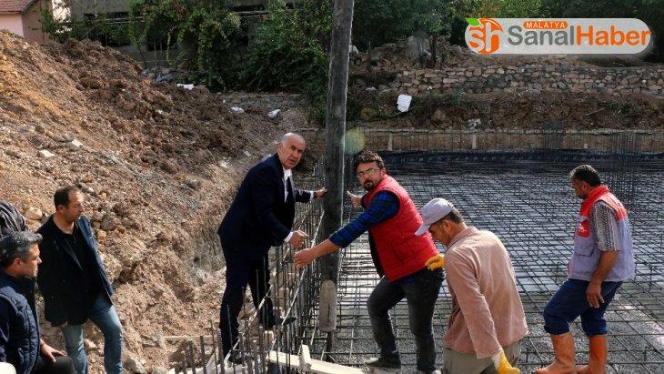 Hekimhan Belediye Başkanı Turan Karadağ, cemevi inşaatını inceledi