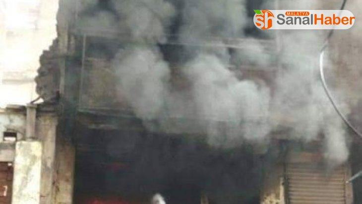 Hindistan'da boya dükkanında yangın: 4'ü çocuk, 7 kişi öldü