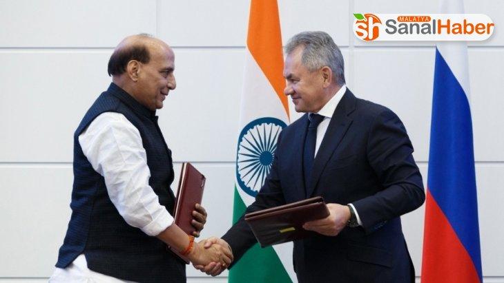 Hindistan S-400'ler için 850 milyon dolarlık ödeme yaptı