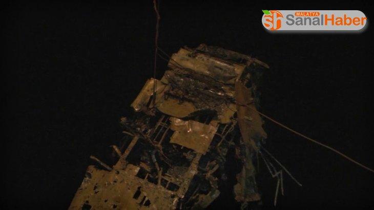 İkinci Dünya Savaşı'nda düşen uçağın enkazı Karadeniz'den çıkarıldı