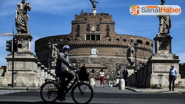 İtalya'da koronaya bağlı ölümler 30 bini aştı
