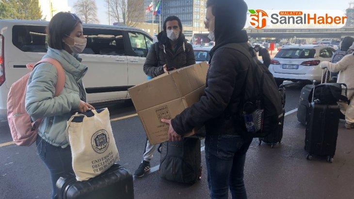 İtalya'dan 213 öğrenci Türkiye'ye doğru yola çıktı