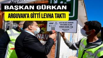 Başkan Gürkan Arguvan'a gitti  Levha taktı