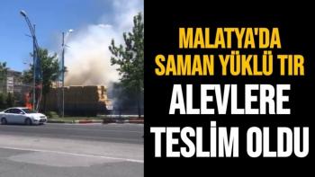 Malatya'da Saman yüklü tır alevlere teslim oldu